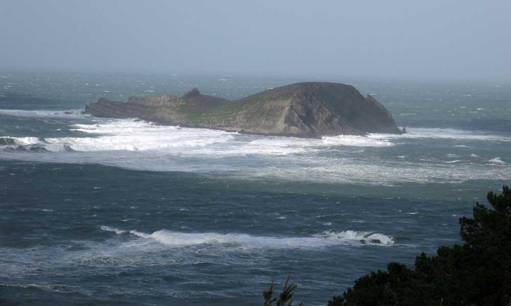 Isla de Izaro, entre Laga y Laida